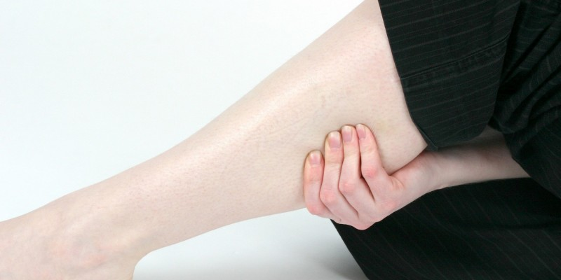 Muskelschmerzen und Krämpfe treten auf