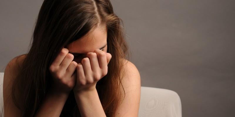 Traurige und einsame Frau
