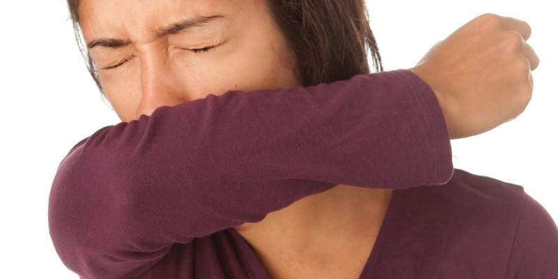 Das Rötelvirus wird zum Beispiel durch Husten und Niesen übertragen
