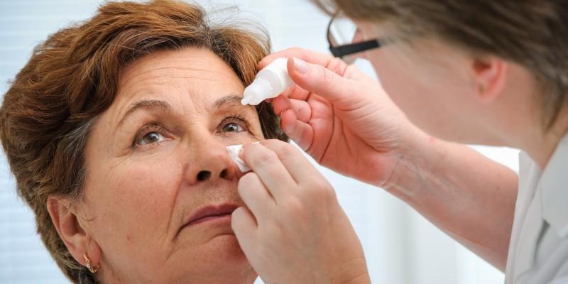 Die Behandlung eines Glaukoms erfolgt vornehmlich durch Augentropfen
