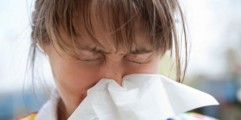 Schnupfen und Allergien gelten als mögliche Verursacher von Nasenpolypen