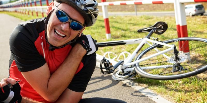 Der Schlüsselbeinbruch ist bei Radfahrern eine häufige Verletzung