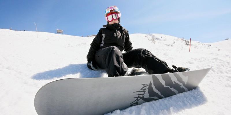 Beim Skifahren und Snowboarden ist die Sturzgefahr besonders groß