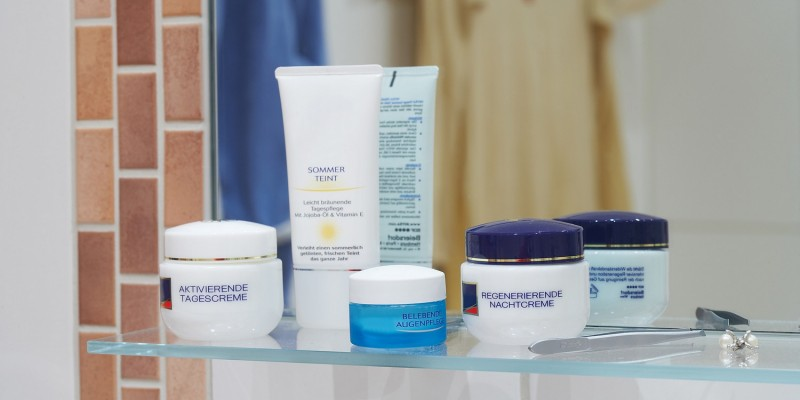 Kosmetika können Akne auslösen