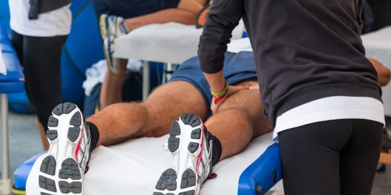 Kleinere Muskelverletzungen können durch Physiotherapie behandelt werden