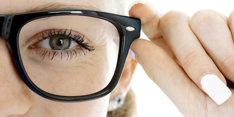 Eine starke Kurzsichtigkeit kann zu einer Netzhautablösung führen