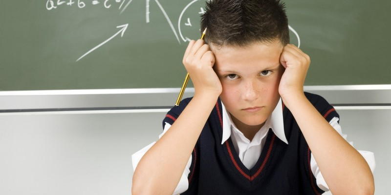 Unkonzentrierter Schüler