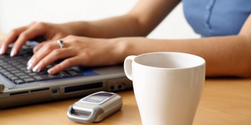 Vorbeugung durch Optimieren der Schreibhaltung am Computer
