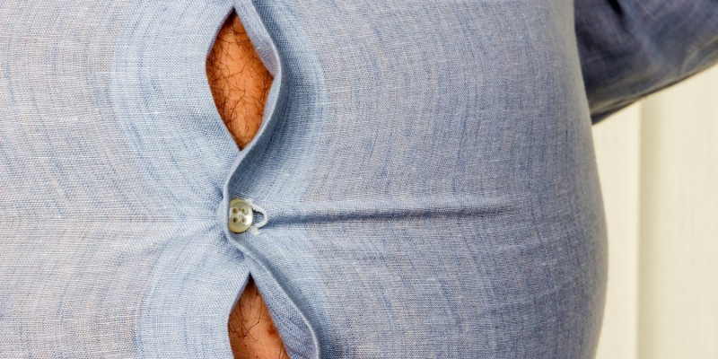 Mann mit großem Bauchumfang