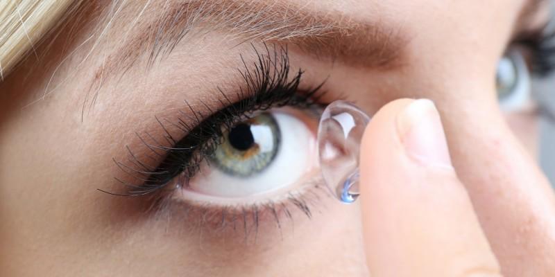 Kontaktlinsen verursachen als Fremdkörper manchmal einen Tränenfluss