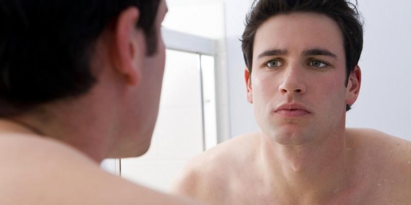Hautverfärbungen treten zum Beispiel im Gesicht oder auf der Brust auf