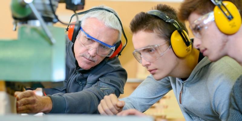 In einigen Berufen kann fehlender Gehörschutz zu Hörverlust führen